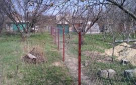 простейший забор из рабицы